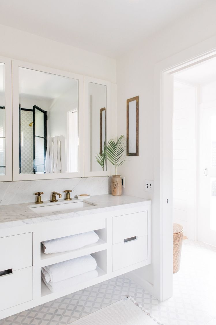 50 Beautiful Design Of White Bathrooms To Your Home White Bathrooms